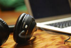 Der Trend vom Einsatz privater Geräte im Unternehmen, besser bekannt alsBring-Your-Own-Devicebzw.BYOD(zu Deutsch: Bringe Dein eigenes Gerät mit), im betrieblichen Umfeld […]