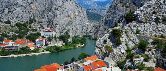 Kroatien hat sich in den letzten Jahren zu einer wunderschönen Urlaubsdestination entwickelt. Unter Touristen aus Deutschland ist das Land nicht […]
