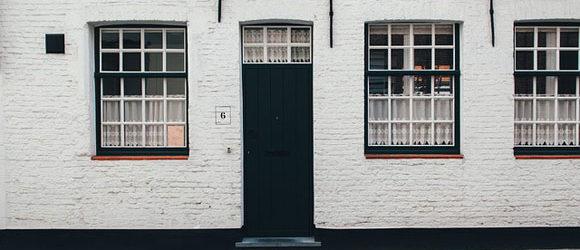 Haustüren sind weit mehr als nur der Einlass zu den eigenen vier Wänden. Vielmehr stechen sie aus der Fassade heraus […]