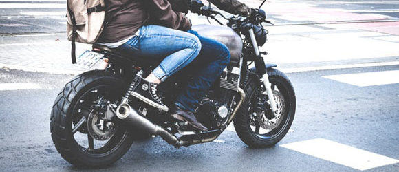 Du fährst gerne eine Runde mit deinem Bike und genießt das tolle Gefühl des Fahrtwindes und der Kurvenlage? Dann hast […]