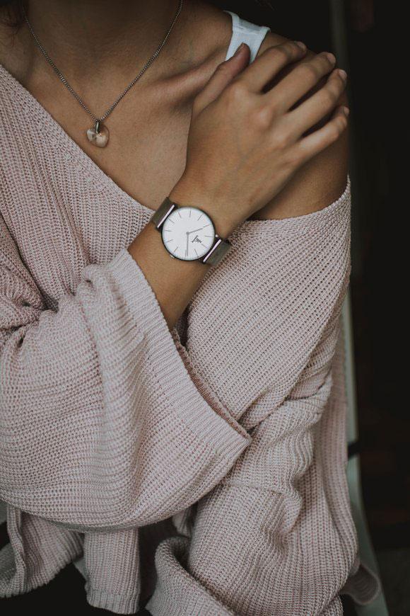Eleganz mit Uhr Schmuck